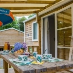 Terrasse Mobil-Homes Grand Family Espace - 8 personnes*